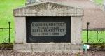 Gravsten på Torbjörntorps kyrkogård (R) är kulturminnesmärkt och får ej tas bort.
